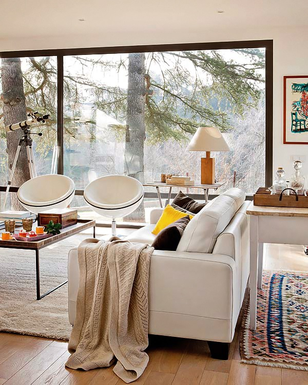 Timeless design: a house in the woods