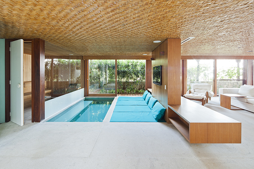 Tropical House-indoor pool