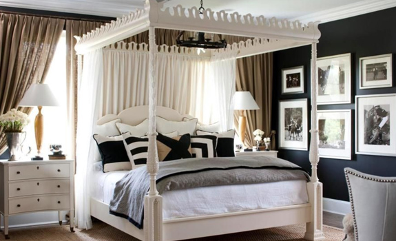 A traditional and elegant bedroom