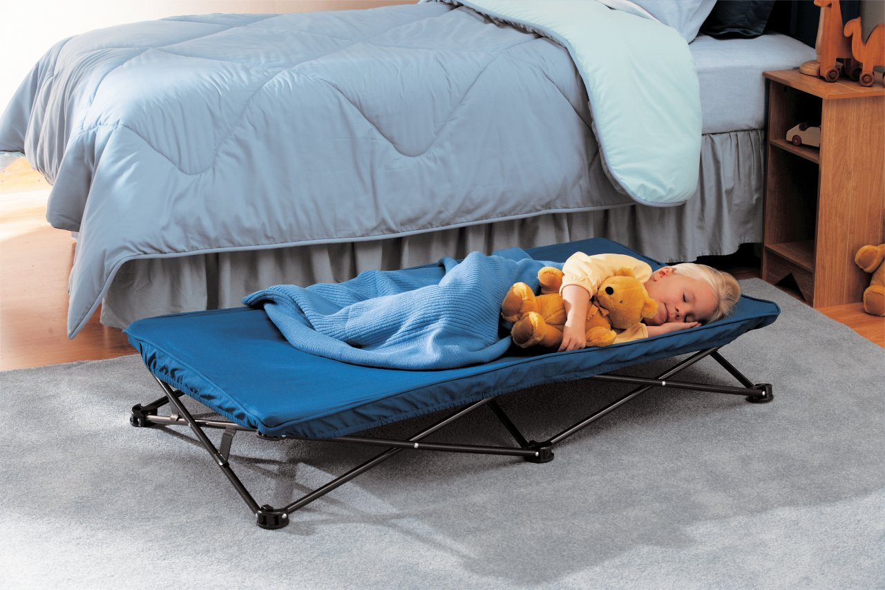 Foldable toddler bed
