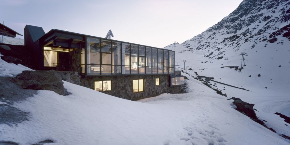 Beautiful mountain chalet tucked away in the Andes