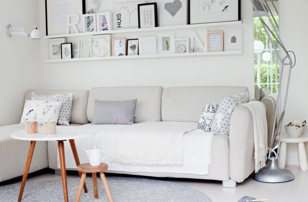 Charming and simplified white house