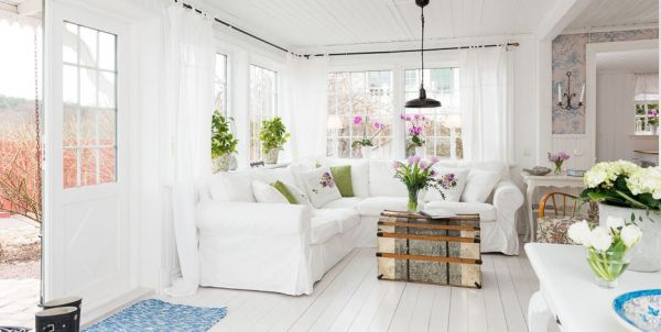 Delicately beautiful: a white cottage