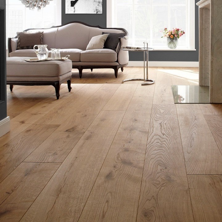 Choosing between different types of wooden flooring
