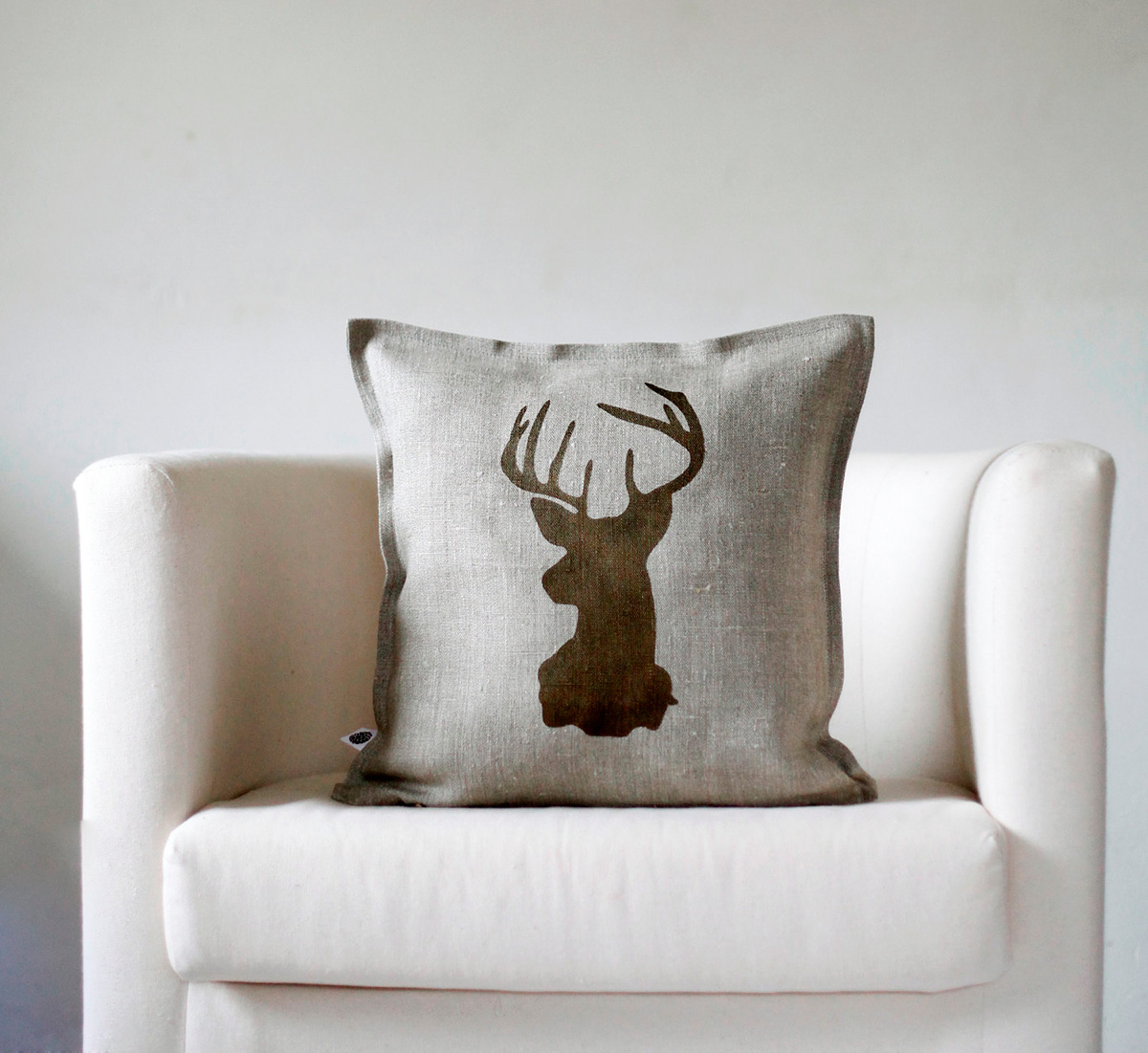 These Stylish Reindeer Pillow Covers Are Made From 100