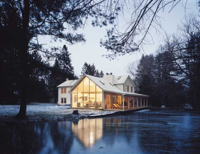 A simply natural and comfort centered floating farmhouse