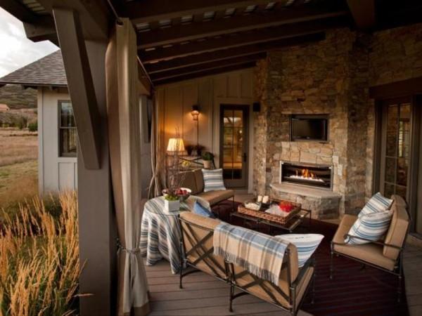 A very cozy veranda
