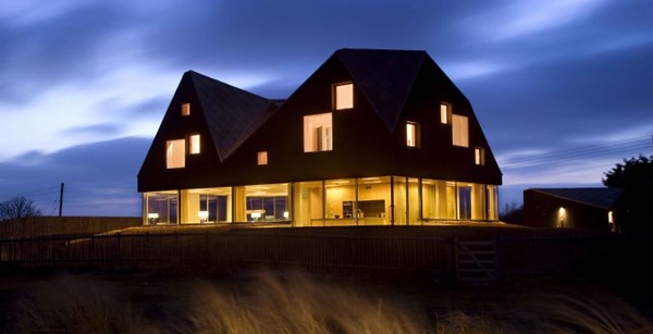 Floating Dune house in England