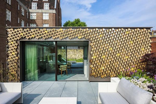 Leaf-inspired contemporary façade