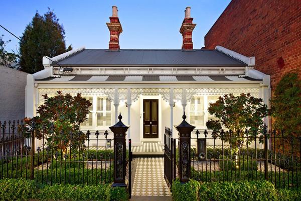 Luxurious and modern Australian home