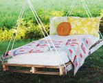 Make your own DIY pallet swing bed
