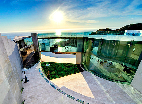 Stunningly amazing architecture in La Jolla