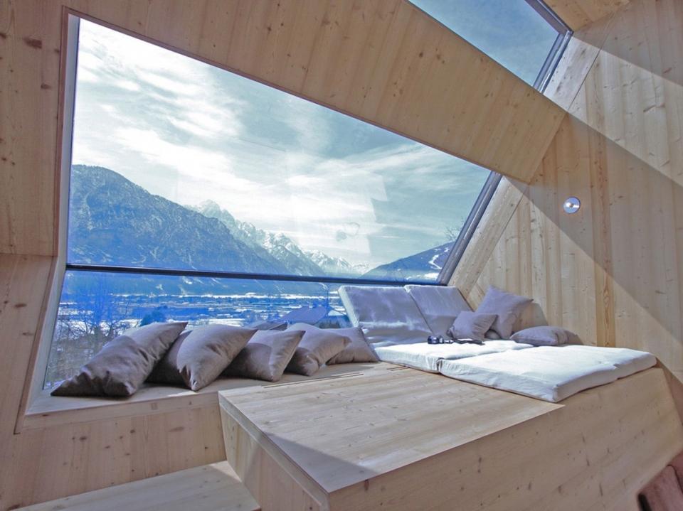 Ufogel: an idyllic winter guest house