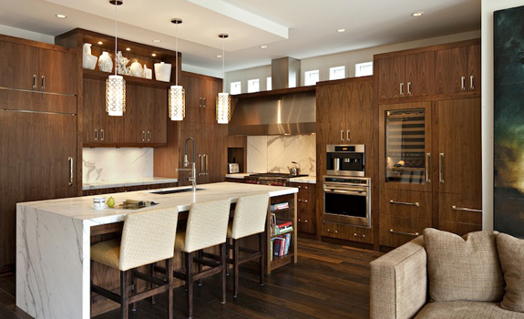 Kitchen in brown and vanilla