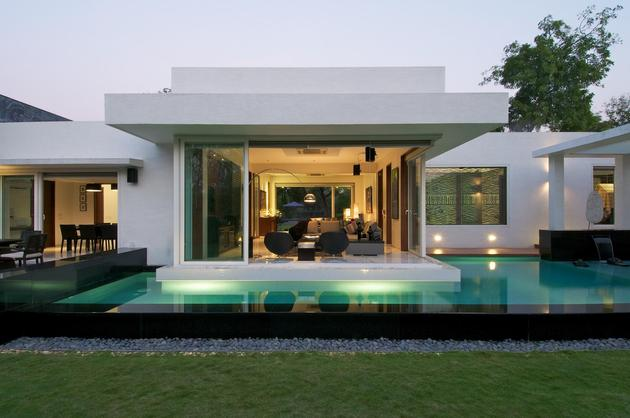 Serenity and class in this minimalist bungalow