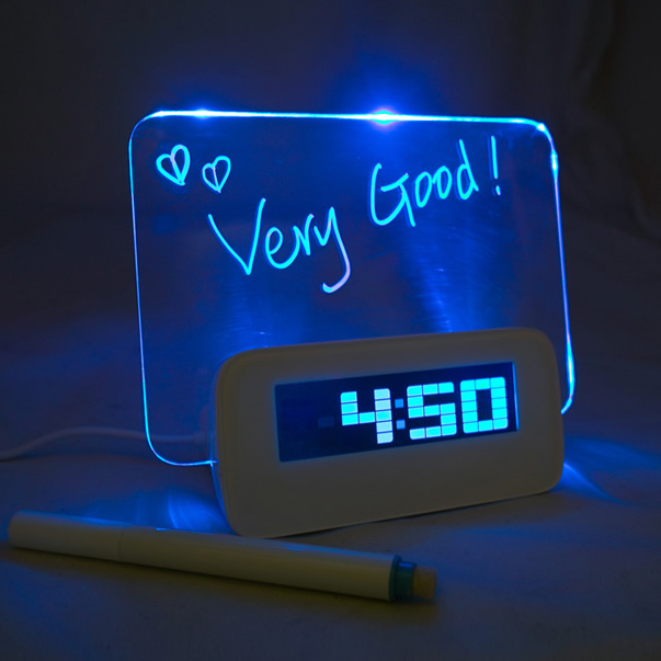 Useful and cool LED memo board
