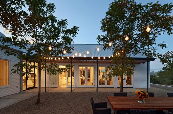 Minimalism-inspired single story home