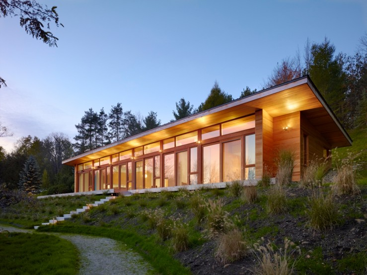 Eco-friendly homes: environmentally responsible design with nature in mind