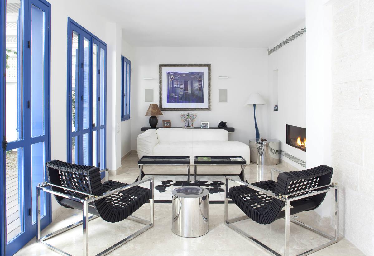 Light apartment interior has an abundance of style