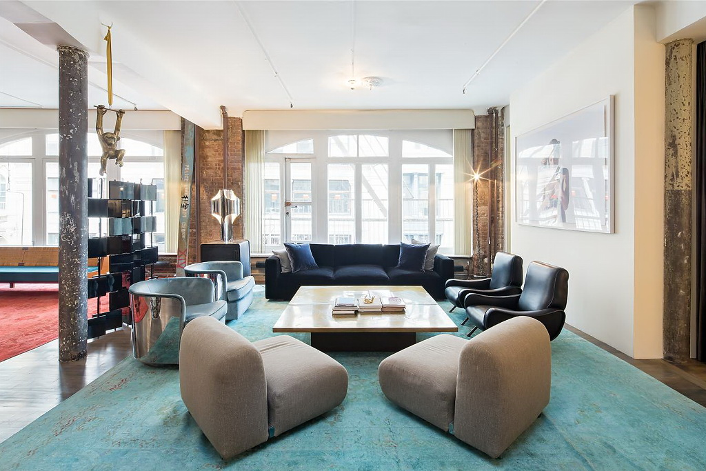 Artistic loft in Soho