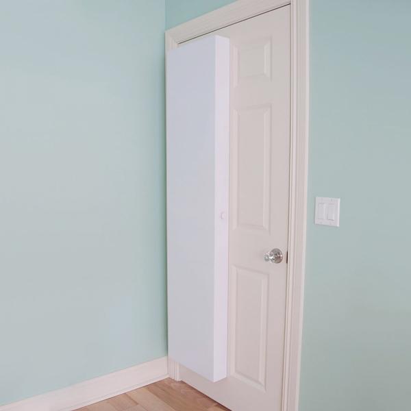 Smart storage mounted on a door