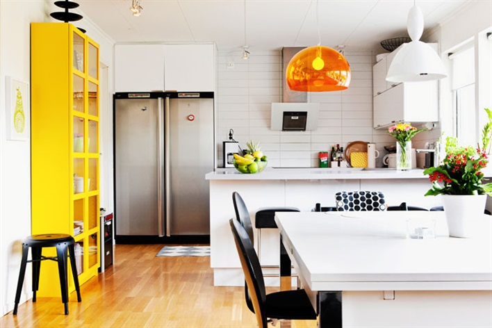 Pops of color bring life to family home