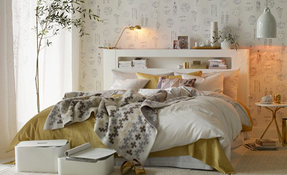 White and gold bedroom design