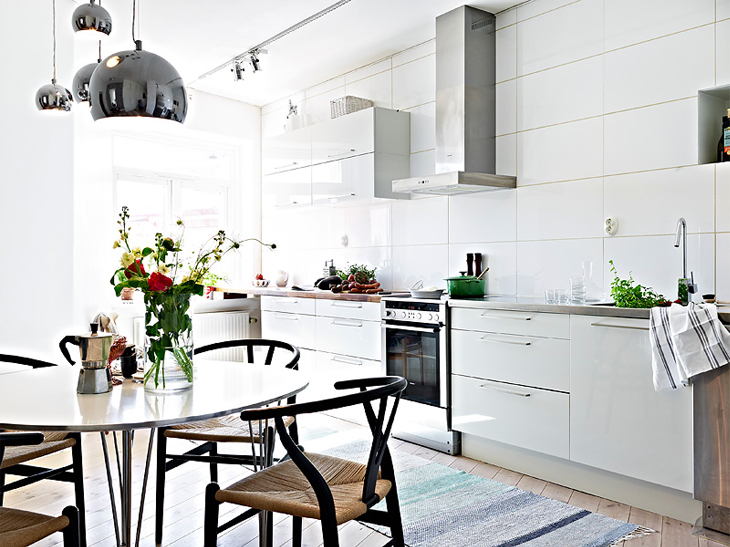 A beautiful white apartment made in heaven