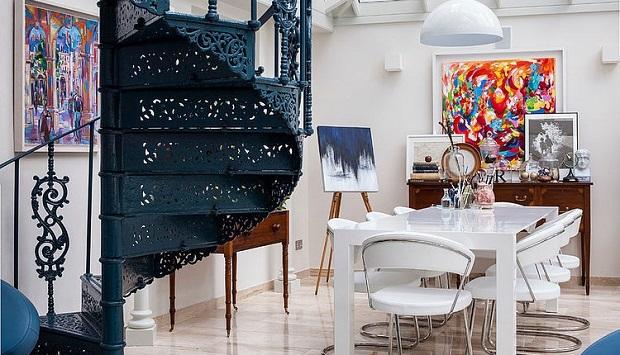 Sensory delight: beautiful family residence