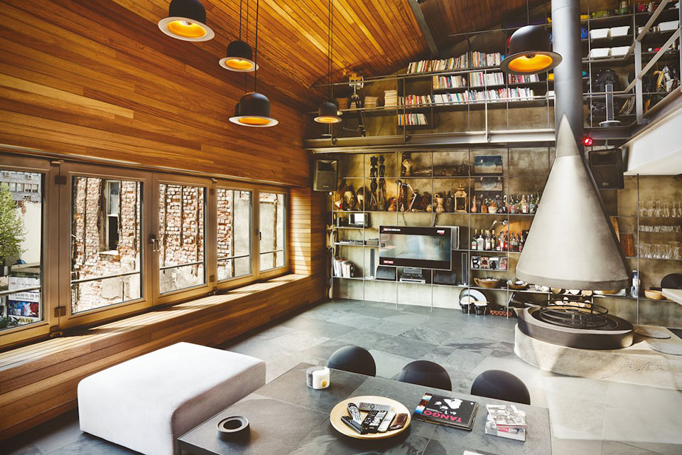 A Turkish bachelor loft that's totally decked out!