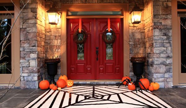 Affordable spooky Halloween porch decoration ideas