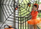 Affordable Spooky Halloween Porch Decoration Ideas (2)