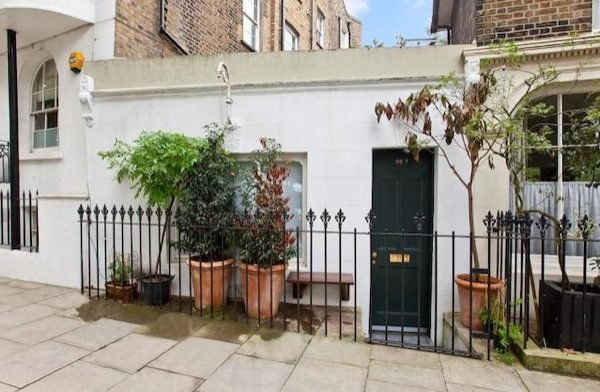 Modern options in city living: tiny house in London
