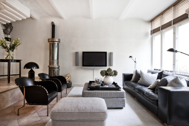 Beautiful decor inside this romantic Stockholm home