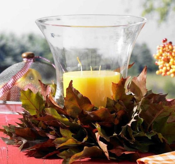 Leaves and candle decoration
