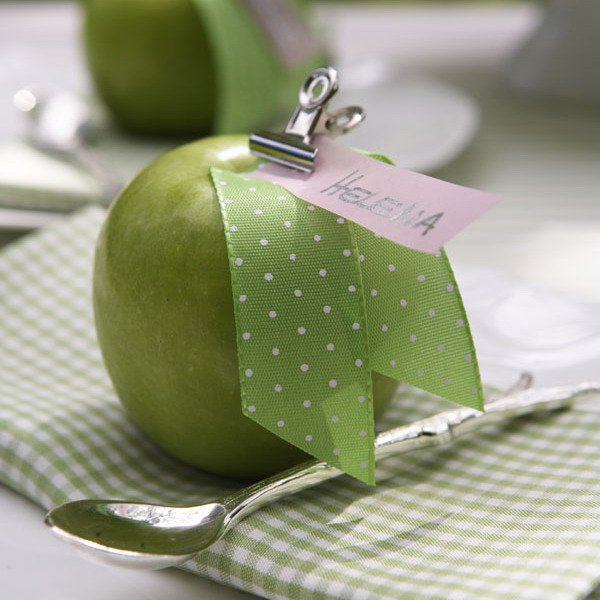 Apple place card holder