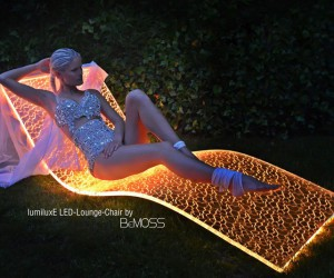 Pick up this modern LED lounge chair for your garden