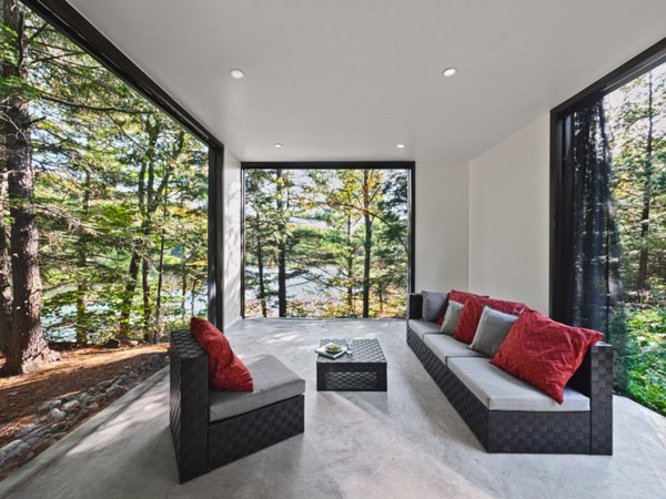 Modern and quiet vacation retreat tucked away in Quebec