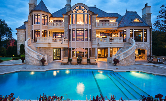 Amazing house with large swimming pool
