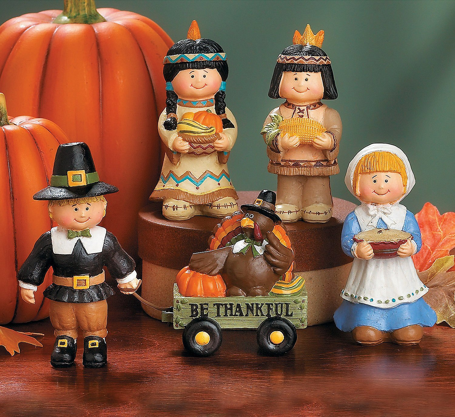 Thanksgiving pilgrims set