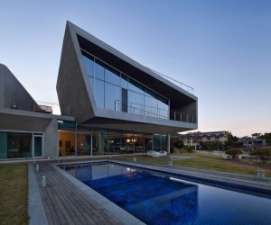 Sharp architecture completes this very modern home