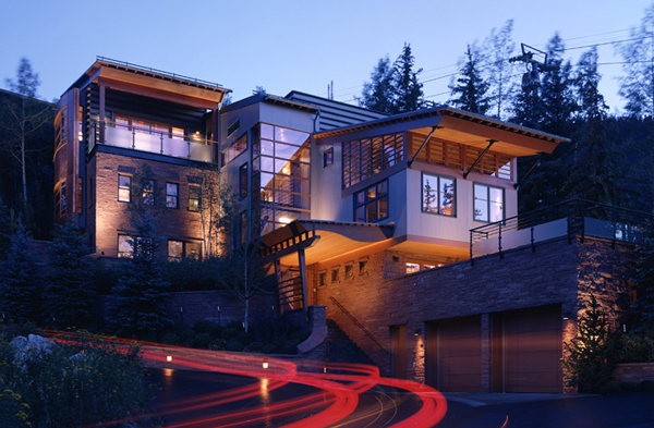 Check out this beautiful and modern mountain house in for Modern mountain house