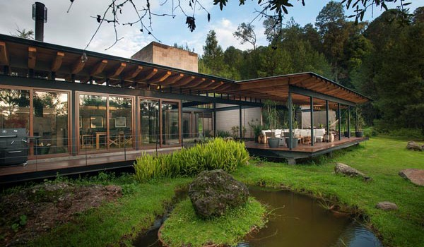 This floating steel structure home is to die for