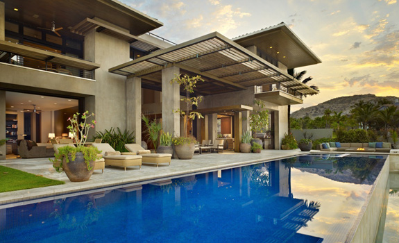 Contemporary residence with a pool