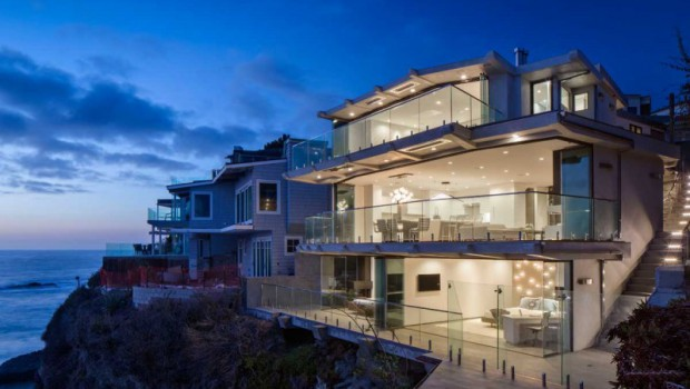 Luxurious clifftop house in Laguna Beach