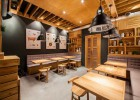 Stunningly simple casual restaurant design Kiev