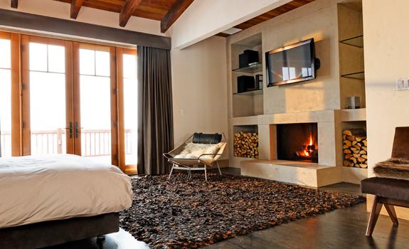 Modern mountain bedroom decor