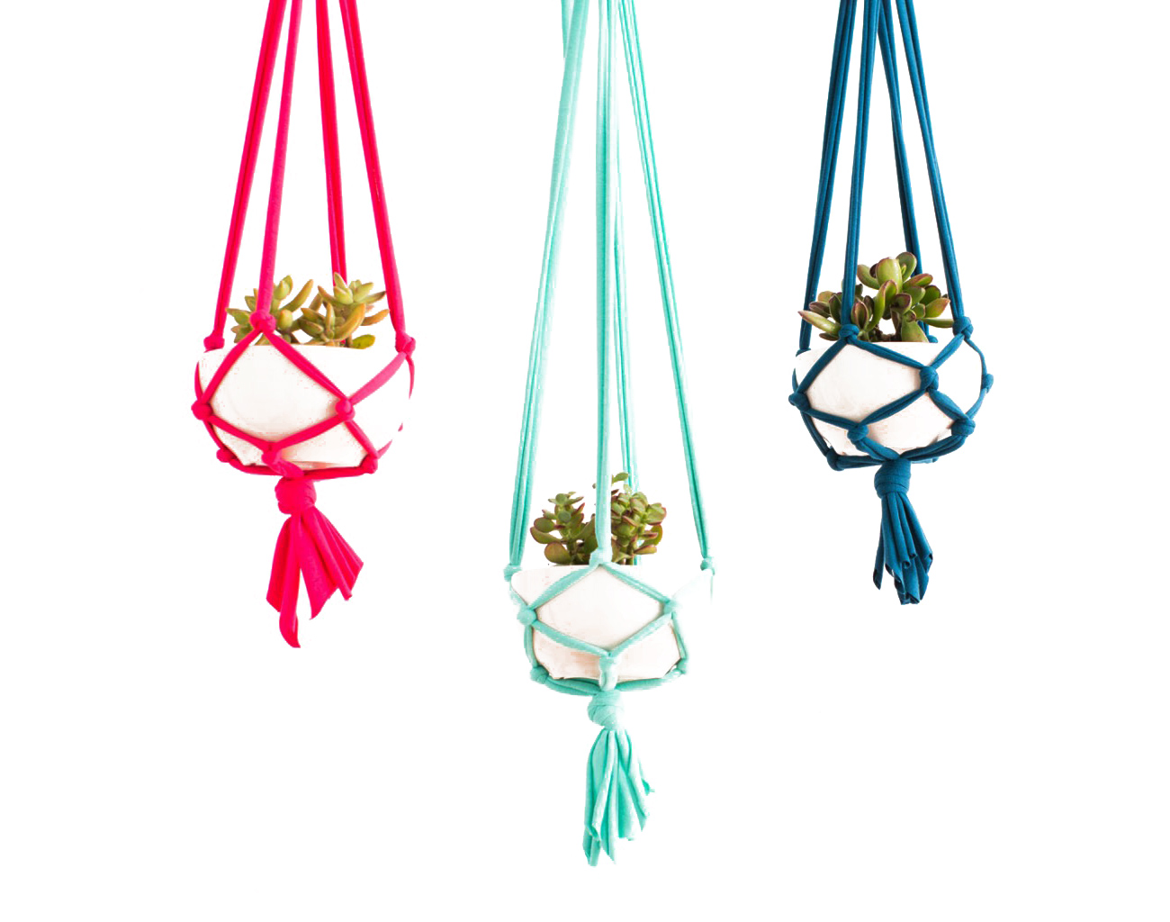 How-to-make-a-macrame-hanging-planter
