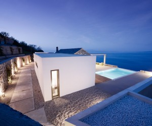 Designs to leave you speechless: contemporary villa in Greece