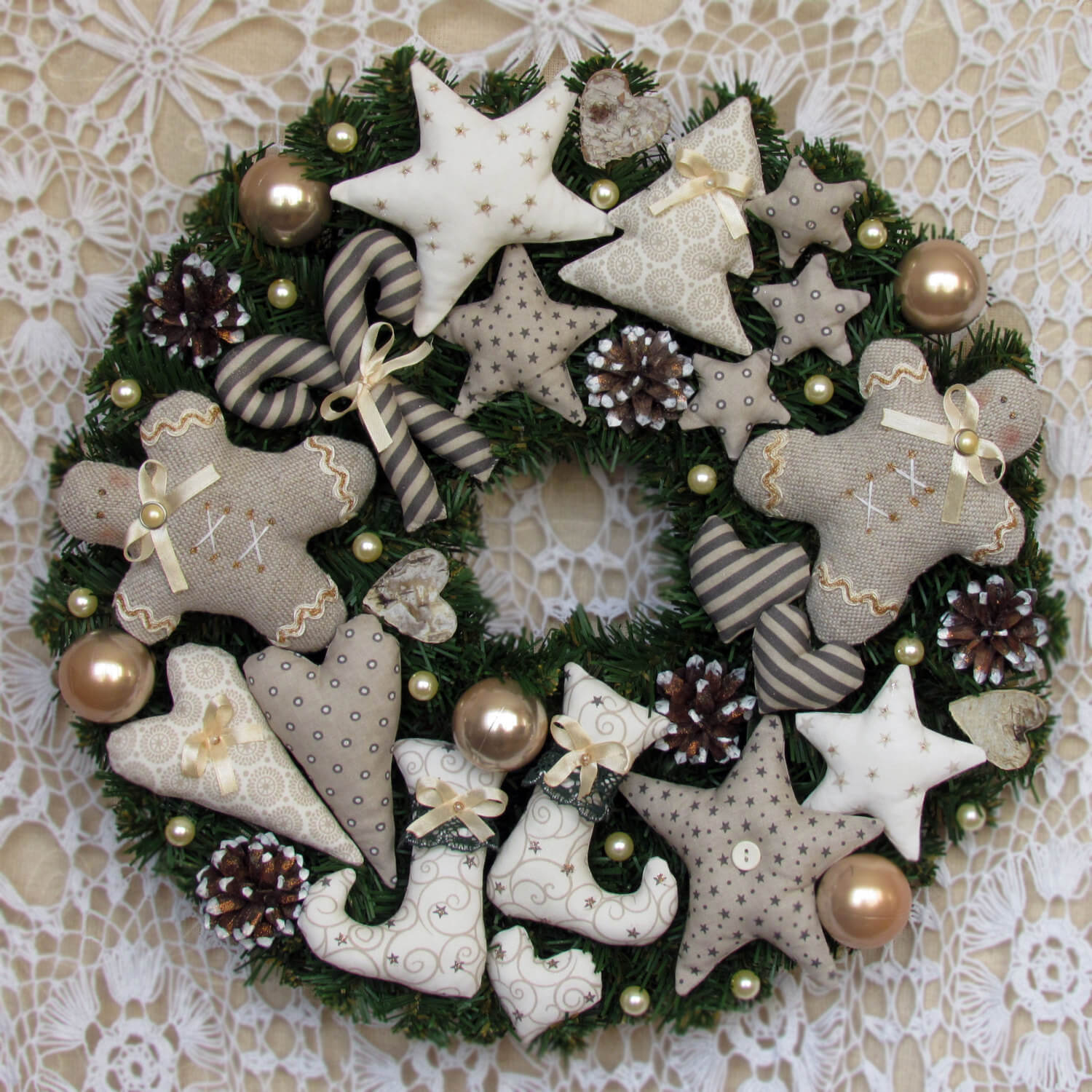 Front door christmas wreaths - Adorable Handmade Christmas Wreath